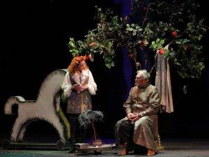 Фото: Нову виставу про гетьмана Мазепу вперше представили на сцені полтавського театру