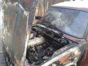 Фото: У міліції розповіли, які  розглядають версії загорання автомобіля полтавського журналіста Громадського ТБ