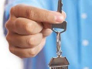 Фото: У Миргороді матері загиблого героя АТО вручили ордер на квартиру