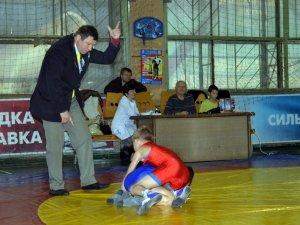Фото: У Полтаві проходить турнір з боротьби пам'яті загиблого хлопчика (ФОТО)