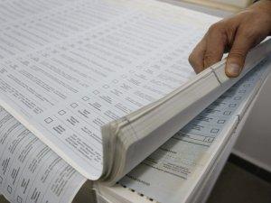 Фото: У виборчих бюлетенях у Лубнах виявили три помилки