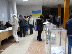 Фото: На одній із виборчих дільниць у Полтаві не знайшли протоколів ранкового засідання