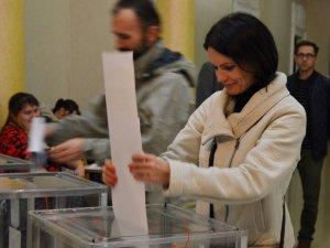 Фото: На дільницях Полтави завершилося голосування