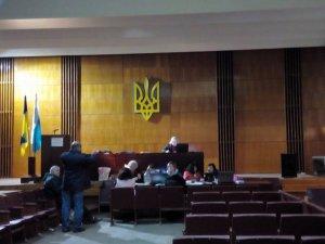 Фото: На ТВК у Полтаві чергують і кандидати на крісло міського голови