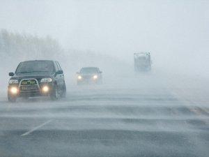 Фото: Даівці радять обережно поводитися на дорозі водіям та пішоходам