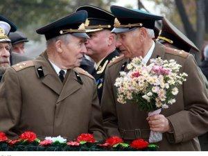 Фото: У Полтаві вшанували пам'ять воїнів-визволителів