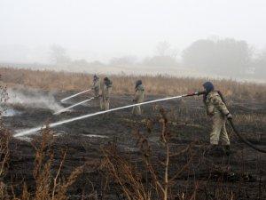Фото: Полтавські рятувальники  продемонстрували, як складно гасити «торф'яні пожежі»  (відео)