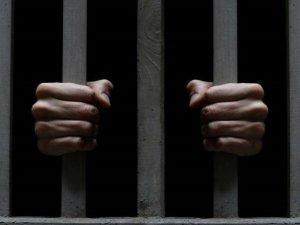 Фото: У Комсомольку із суду утік засуджений