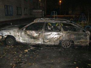 Фото: У Кременчуці вночі згоріли три автомобілі