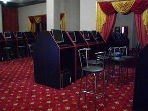 Фото: У Полтаві виявили підпільний гральний зал