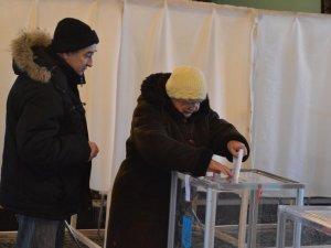 Фото: БПП заявляє про перемогу кандидатів у 10 містах: Полтави серед них немає