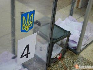 Фото: Нетверезі на дільниці та обливання зеленкою – полтавська поліція про порушення на виборах