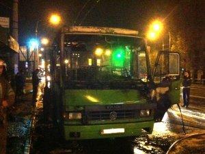 Фото: Пожежа пасажирського автобуса в Полтаві: у поліції  розповіли, яка версія не підтвердилась