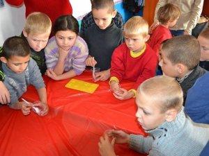 Фото: Полтавці можуть допомогти влаштувати свято дітям-сиротам: список потреб