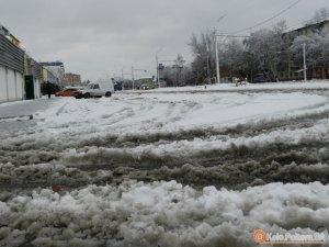 У Полтаві відмовились назвати кількість техніки, яка чистила дороги від першого снігу