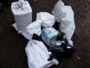 Фото: На Полтавщині вдома чоловік зберігав шість мішків конопель