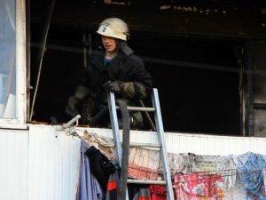 Фото: У  Полтаві горіла п'ятиповерхівка: евакуювали двох дорослих та одну дитину