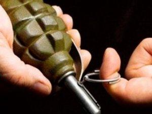 Фото: Дві групи злочинців у Комсомольську влаштували розбірки за допомогою гранати