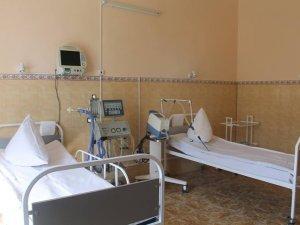 Фото: У лікарнях областей планують заощадити кошти, зменшивши ліжко-місця