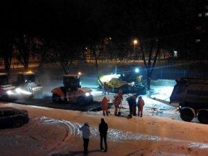 Фото: У Полтаві кладуть асфальт в сніг (фотофакт)
