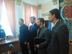 Сесію Полтавської міськради розпочали без міського голови (оновлено, фото)