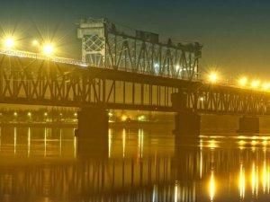 Фото: У Кременчуці жінка покінчила із життям, стрибнувши з Крюківського мосту