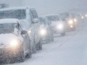 Фото: Полтавських водіїв попередили про негоду на Різдво