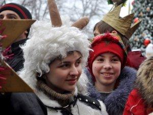 Фото: У Полтаві, попри негоду, відбулась «Різдвяна феєрія»: фоторепортаж