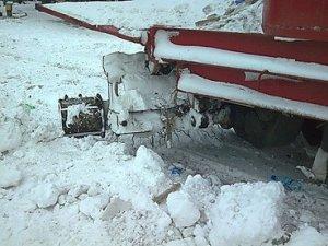 Фото: На Полтавщині бензовоз застряг у заметі