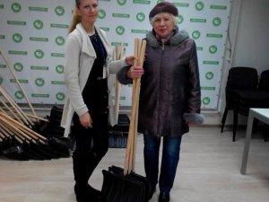 Фото: «Нова Полтава» безкоштовно видасть полтавцям ще 500 лопат