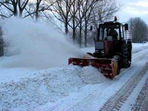 Фото: У Полтаві продовжують прибирати сніг