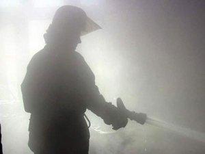 Фото: Завдяки пирятинським поліцейським вчасно загасили пожежу на підприємстві
