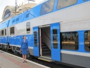 Фото: У Полтаві та Кременчуці зупинятиметься двоповерховий електропотяг