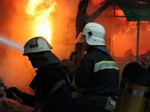 Фото: У Полтаві від вогню врятували жінку