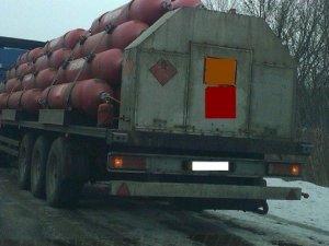 Фото: На Полтавщині затримали сумчанина, який вантажівкою нелегально перевозив газ