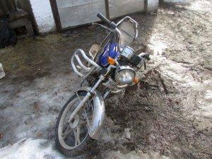 Фото: На Полтавщині 17-річний злочинець проник на подвір'я власників і викрав мопед