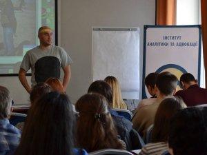 Фото: Військовий кореспондент Бочкала у Полтаві говорив про вичерпність АТО та цензуру журналіста