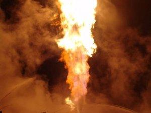 Фото: З історії добування українського газу: газовий фонтан, гасіння його ядерним вибухом та інформаційна війна