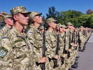 Фото: Курсантів військових вишів випустять достроково