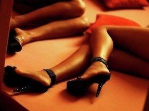 Фото: У Полтаві двоє дівчат вирішили заробити на дискотеку проституцією