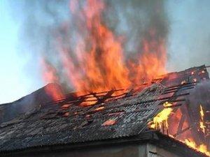 Фото: Під Полтавою горіла прибудова до будинку