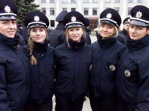 Фото: На службі у свято: про перші чергування жінок патрульної поліції Полтави