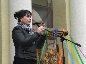 Фото: У Полтаві відсвяткували Масляну під дощем: роздали дві тисячі порцій млинців (фоторепортаж)