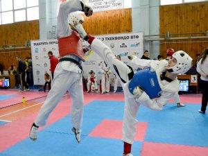 Фото: Полтавці посіли друге командне місце на Всеукраїнських змаганнях з тхеквондо