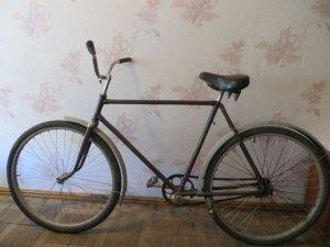 Фото: На Полтавщині неповнолітні поцупили в жінки велосипед