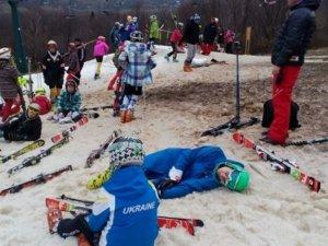 Фото: Гірські лижі без снігу: закарпатський скандал, у якому постраждали полтавські діти