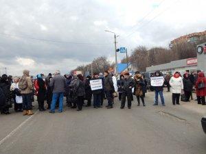 Фото: «Полтавафарм» на мітингу вимагав змінити керівника і з'ясувати, де поділися гроші з рахунків (фото)