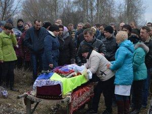 Фото: «Із ним було не страшно»: на Полтавщині поховали Героя