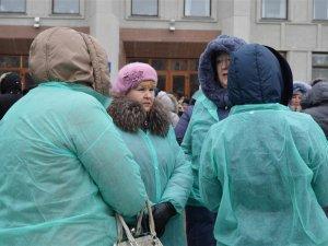 Фото: А віз і нині там: «Полтавафарм» мітингував біля Полтавської ОДА (ФОТО)