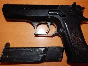 Фото: Миргородський третьокласник прийшов до школи з пістолетом
